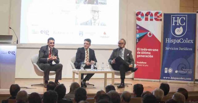 """GR01.GRANADA, 10/03/16.- Encuentro """"Dialogos para el desarrollo"""" celebrado en la Escuela Internacional de Gerencia de Granada."""