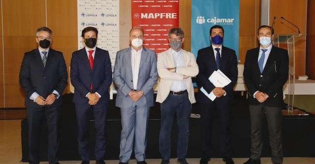 Foto grupal Diálogos para el Desarrollo